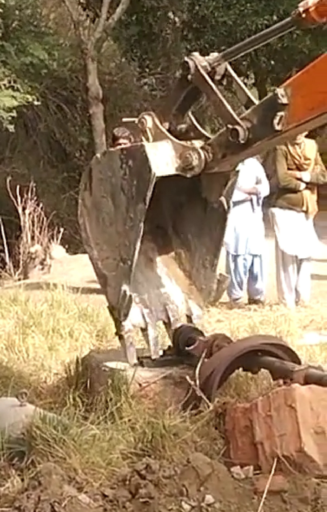Anti-Encroachment Operation in Miani Forest Fails - Photo Courtesy Sindh Information-2