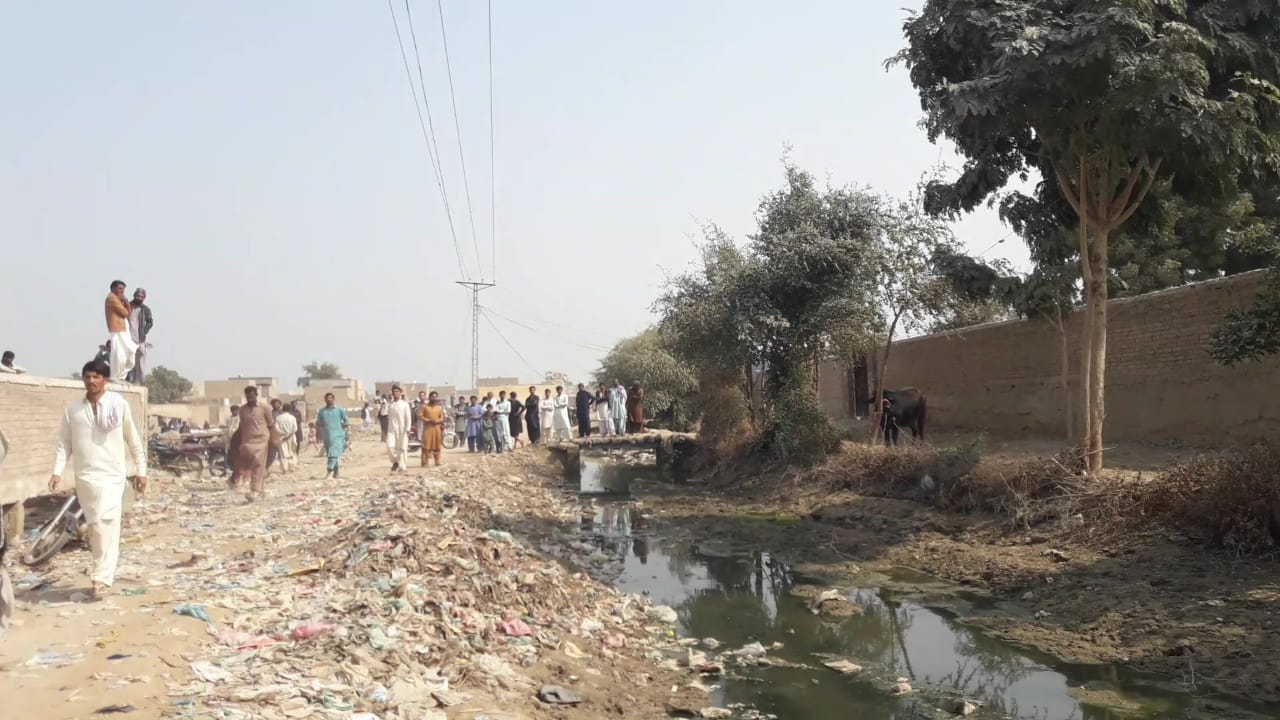 Dadu administration plans to bulldoze 750 homes - Sindh Courier-3