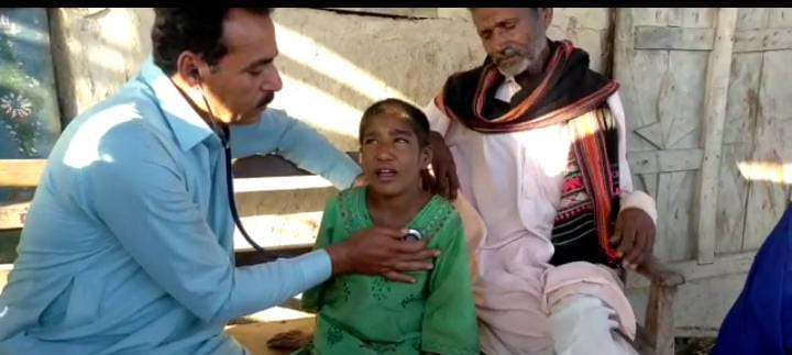 Health official meets petrol-addict girl - Sindh Courier - Jati-2