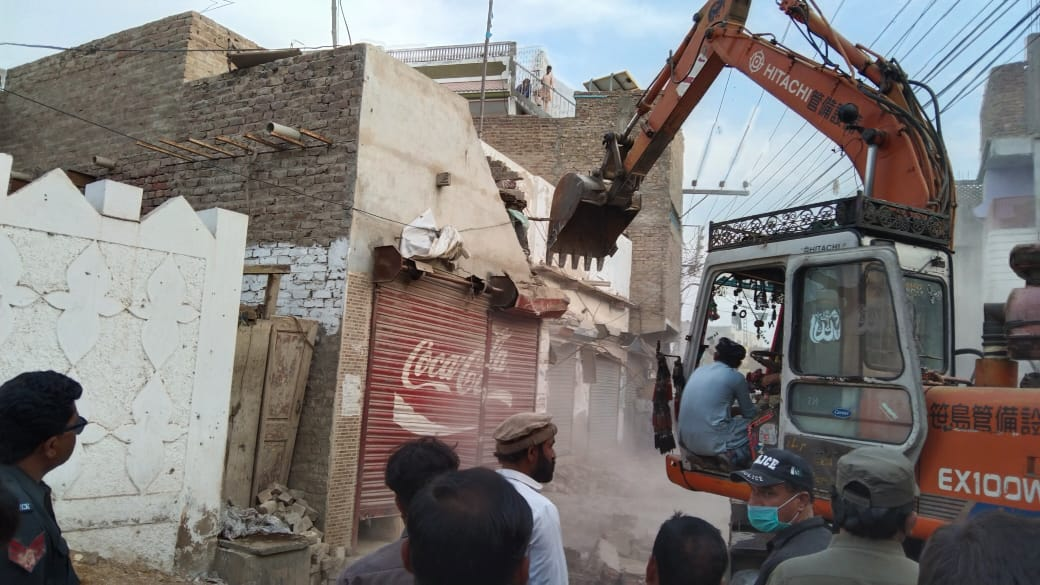 Hundreds of illegal structures demolished in Tando Jam - Sindh Information- Sindh Courier-2