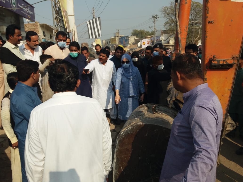 Hundreds of illegal structures demolished in Tando Jam - Sindh Information- Sindh Courier-4