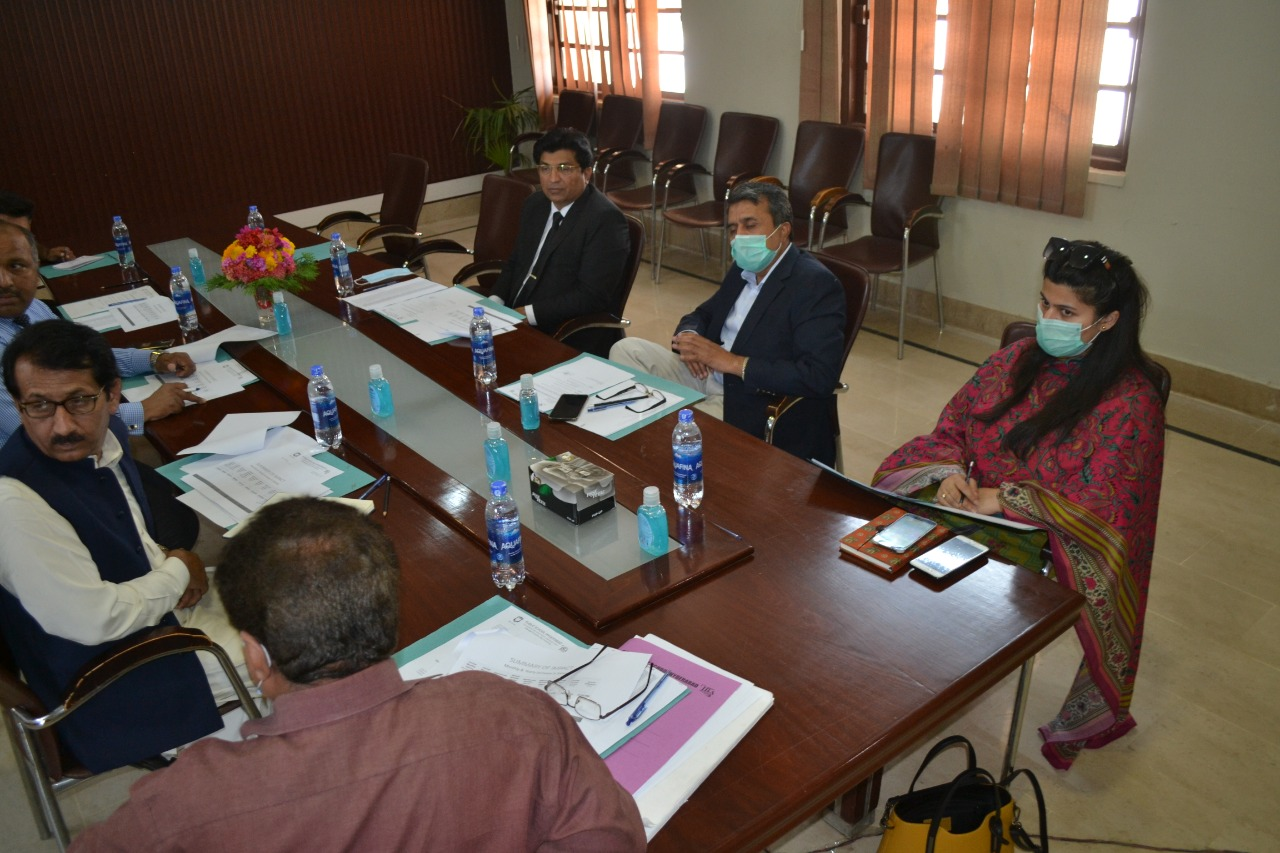 Public School Hyderabad to be run on IBA Sukkur's pattern - Commissioner Meeting- Sindh Courier-1