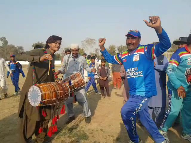 Selection of Cricketer Zahid Mehmood brings joys for Sindh-1