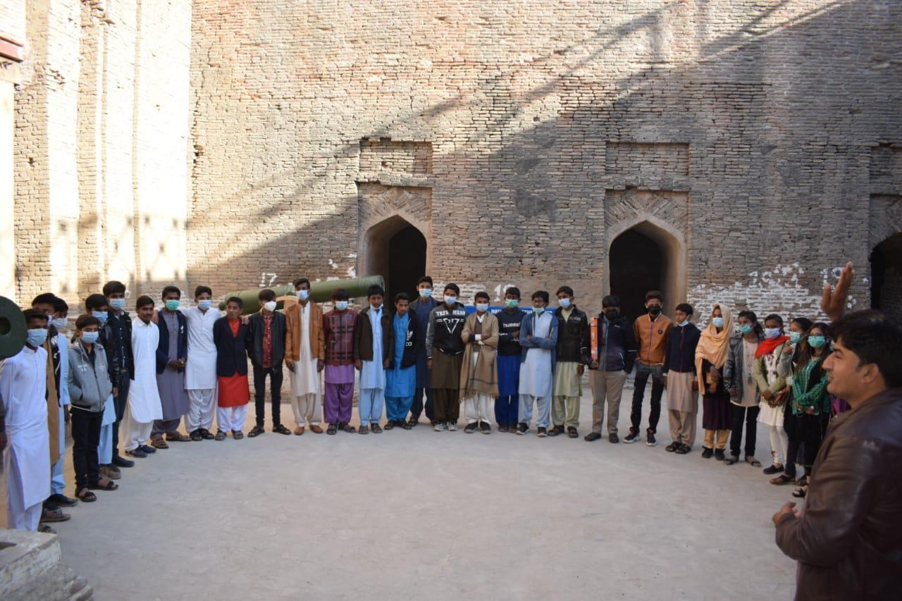 Thar Children's Parliament members visit historic sites - Sindh Courier