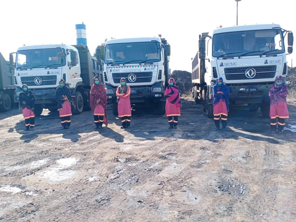 Thar Coal - Six more Thari women join as Dump Truck Drivers - Sindh Courier