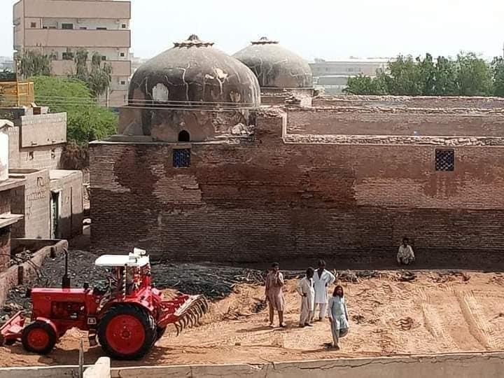Photo of Aliens occupy the land of Thatta's historic 2- Dome Gujarati School