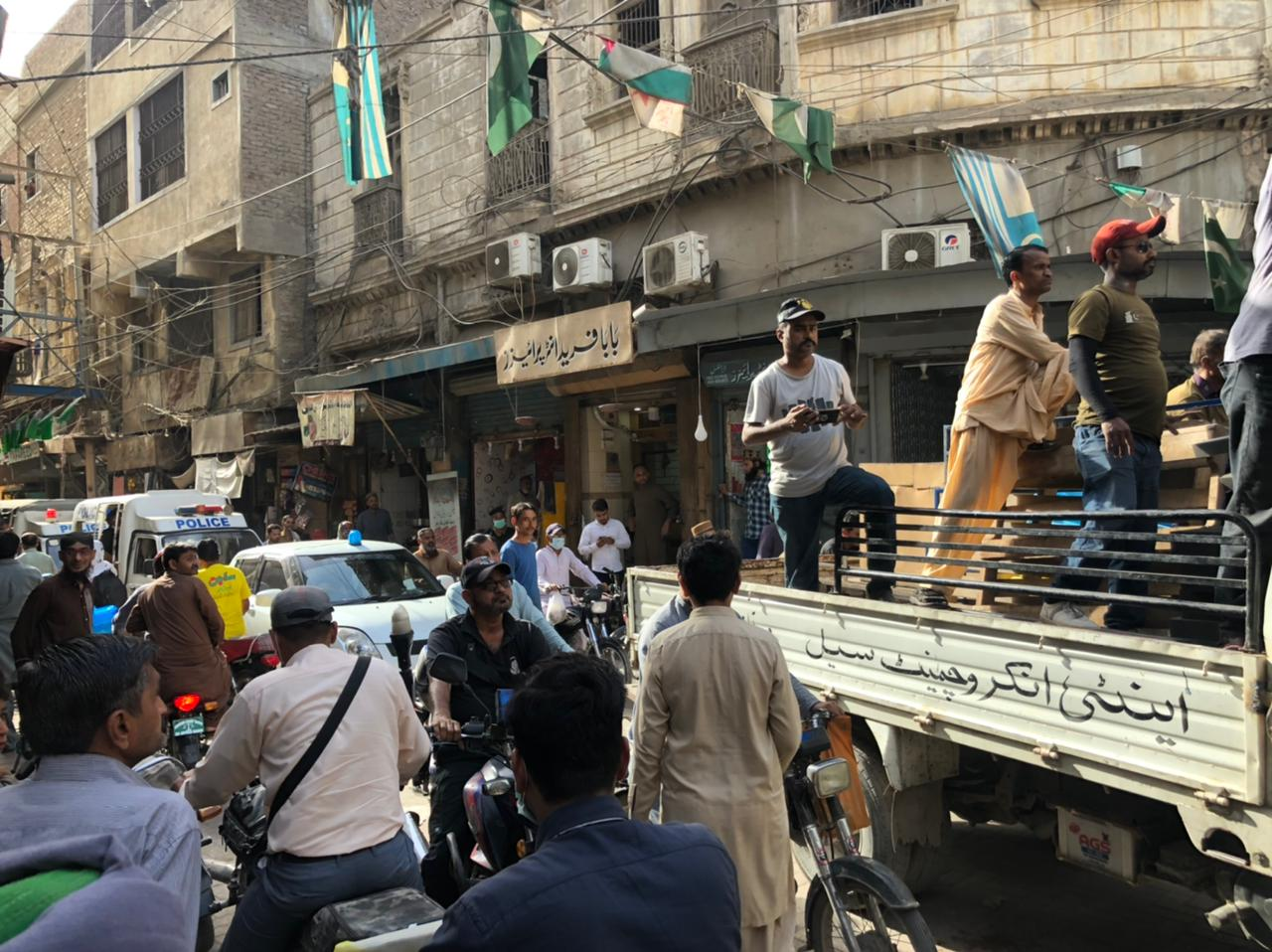 Anti-encroachment drive continues in Hyderabad- Sindh Courier-2