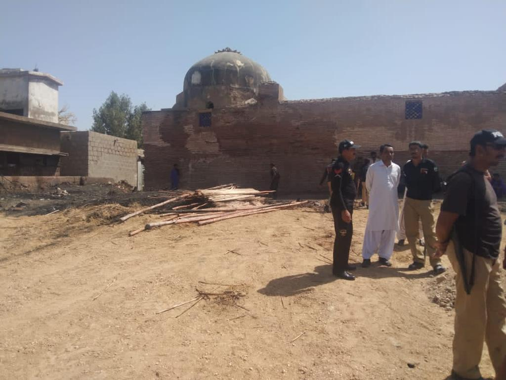 Land-grabbers flee from Thatta's heritage site - Sindh Courier-1