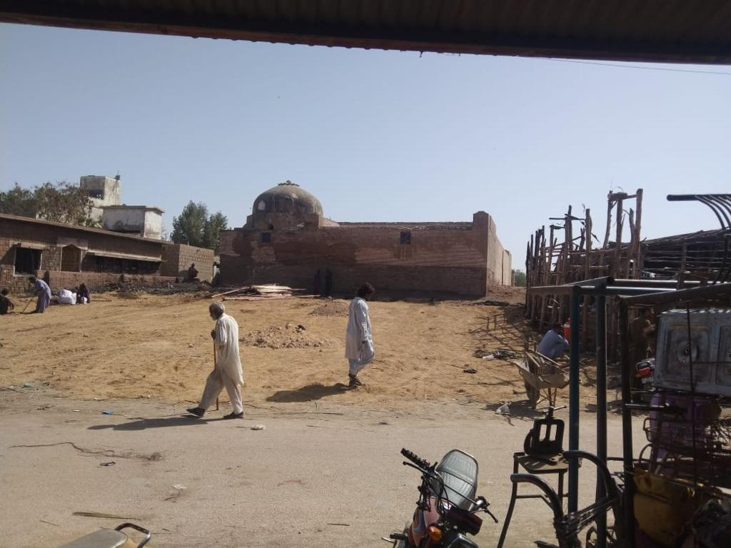 Land-grabbers flee from Thatta's heritage site - Sindh Courier-2