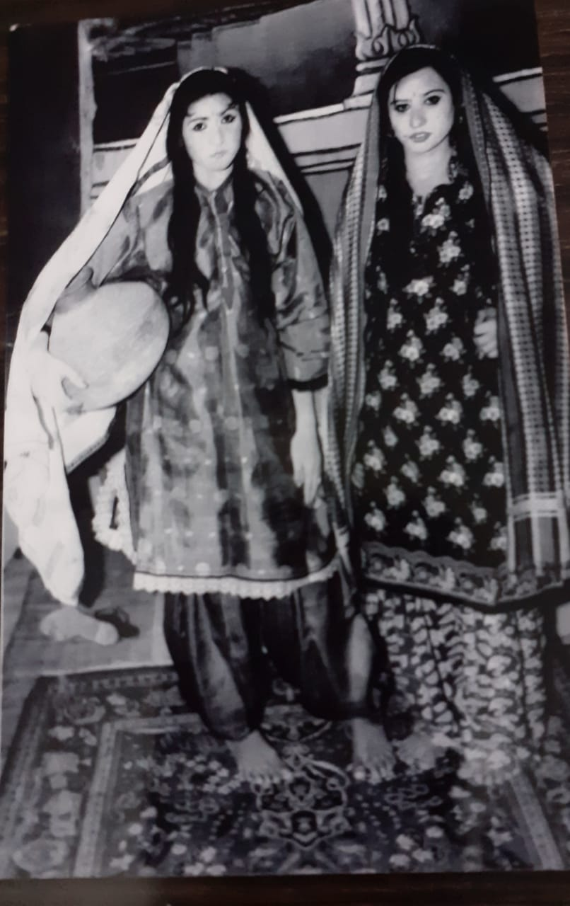 Memoirs - Can't Forget My Loved Ones - Veena and her sister - Sindh Courier