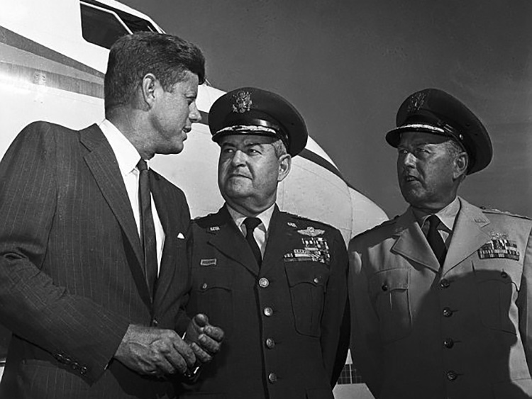 President Kennedy with Air Force Chief of Staff General Curtis LeMay and Commanders-in-Chief of The Strategic Air Command General Thomas S. Power 7 March 1962.