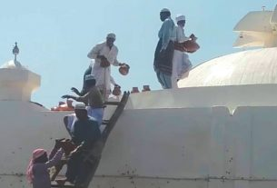 Shrine of Sheikh Salamat washed with Milk before Annual Urs- Sindh Courier