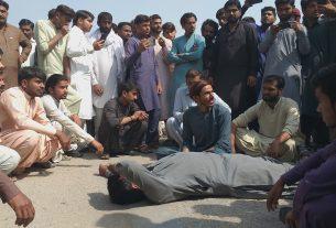 Ubauro Blast - Citizens block highway as an injured boy dies- Sindh Courier-1