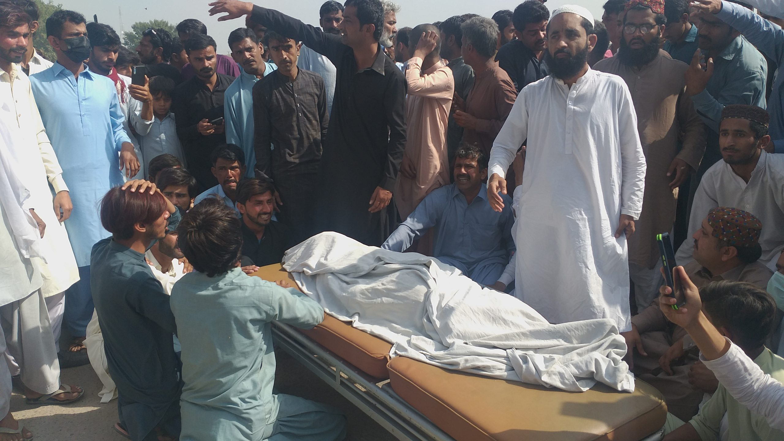 Ubauro Blast - Citizens block highway as an injured boy dies- Sindh Courier-2