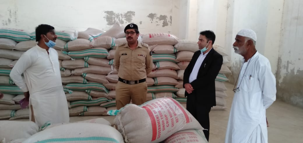 800 Bags of wheat found missing from Golarchi Gowdown - Sindh Courier-2