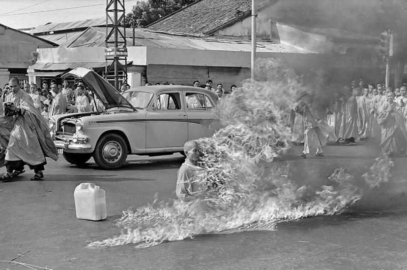 A crisis begins with Civil Disobedience-Thích_Quảng_Đức_self-immolation