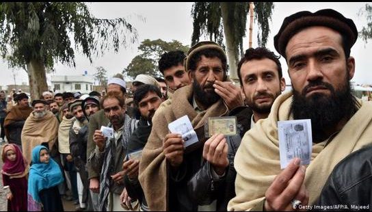 Photo of Over 1.4 million Afghan refugees to get new Smartcards