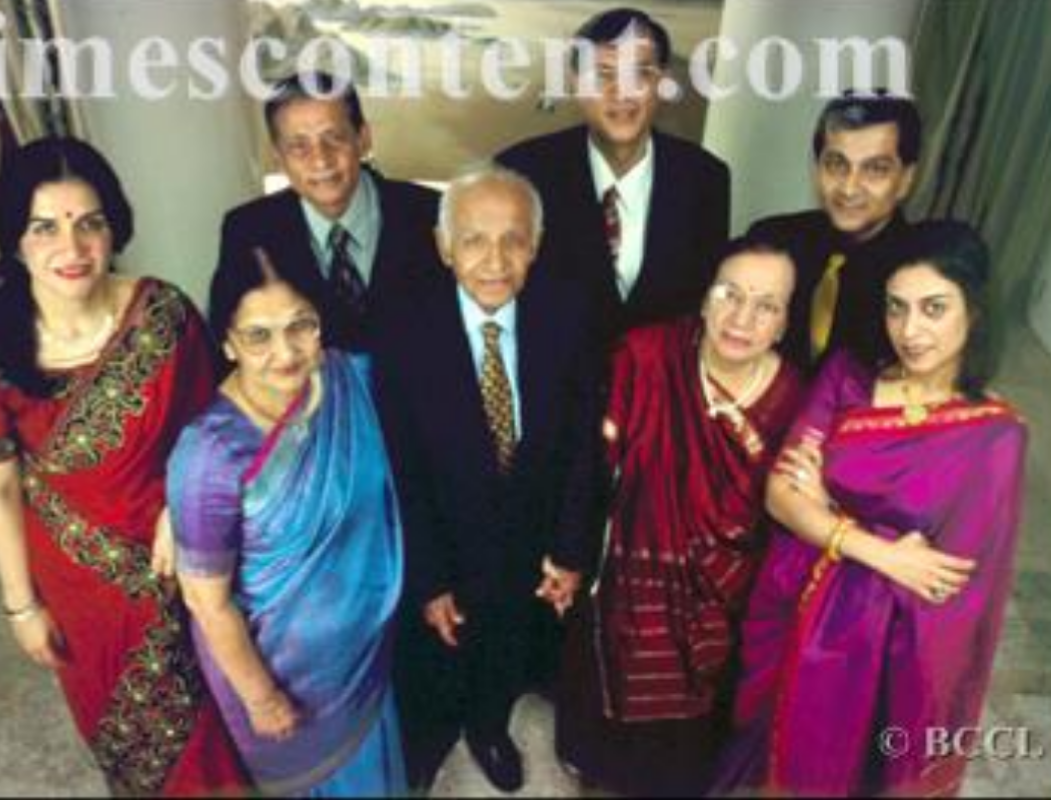 Dr. Lakhumal Hiranandani – India's Surgeon of the Millennium - Sindh Courier-4