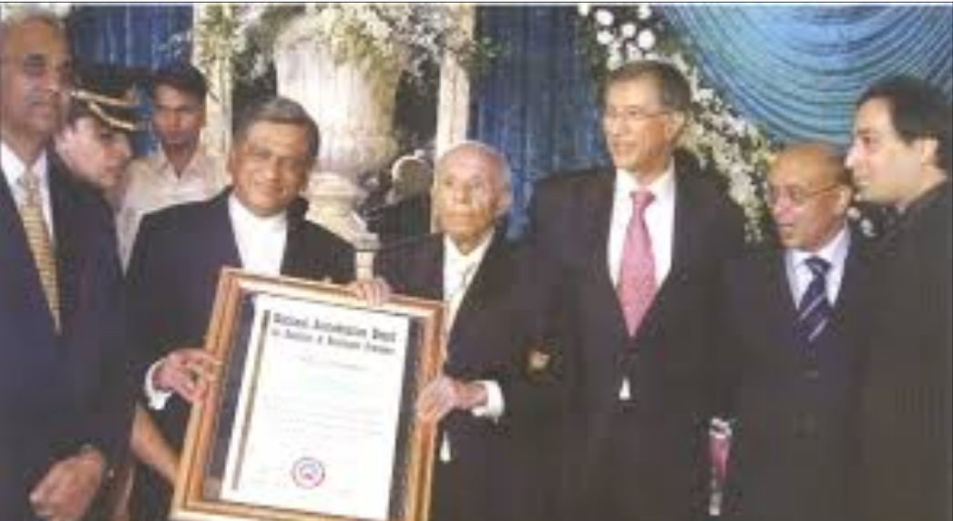 Dr. Lakhumal Hiranandani – India's Surgeon of the Millennium - Sindh Courier-5