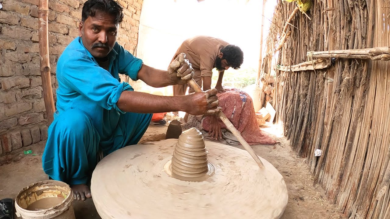 Increasing earthenware sale brings joy to potters- Sindh Courier-1