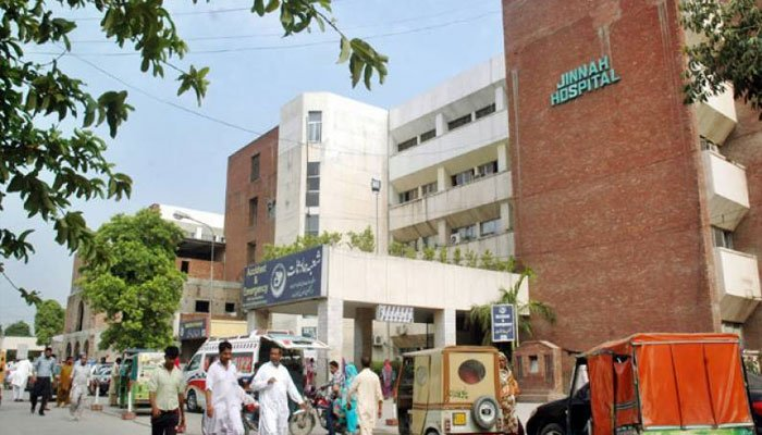 Sindh treats over 300000 patients from other provinces - File Photo