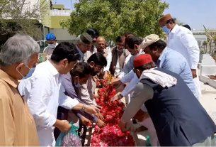 Veteran historian Pir Hussam-u-din Shah Rashdi - Grave- Sindh Courier