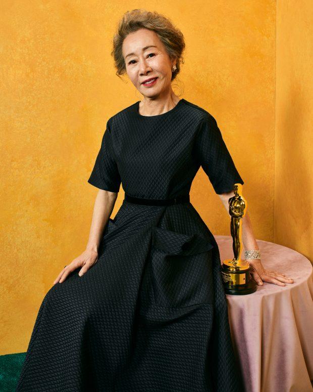 Photo of South Korean actress wins Oscar Award