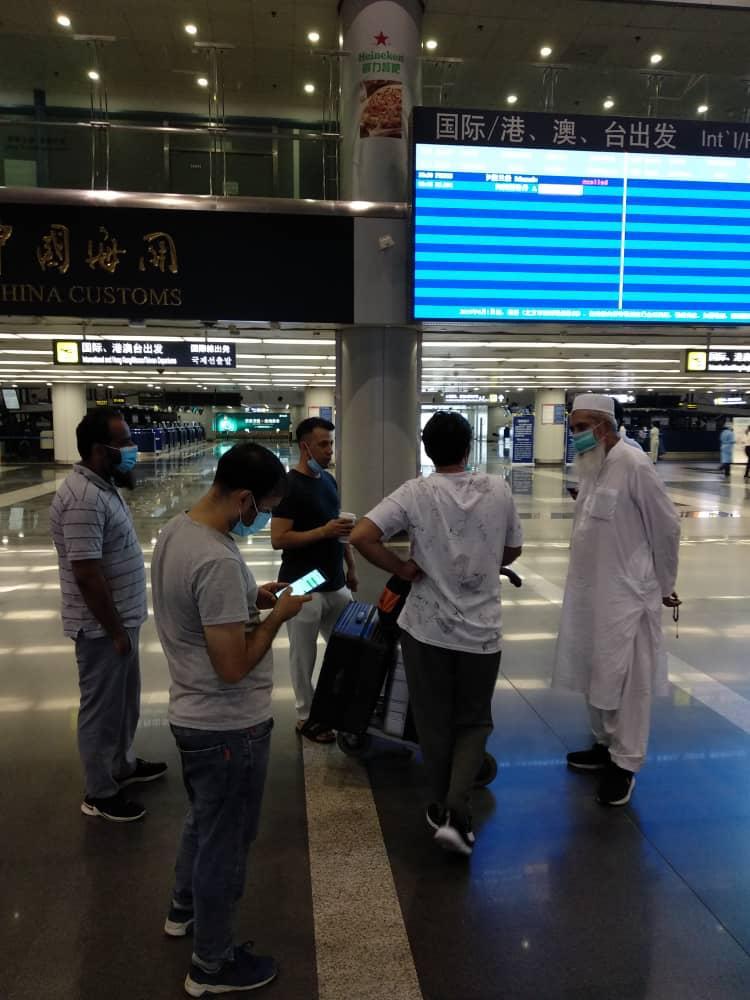 PIA- Flight-Beijing-Sindh-Courier-3