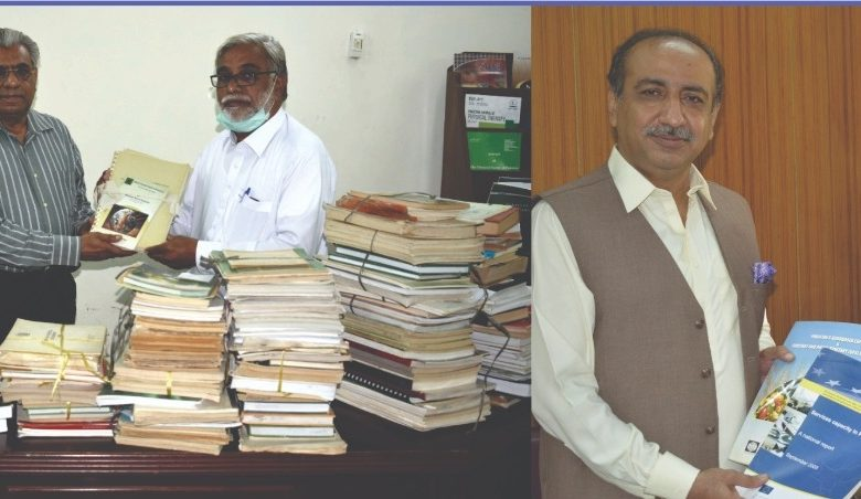 Photo of An ex-student donates 500 books and journals to SAU