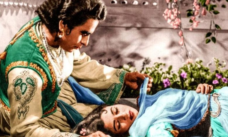 Photo of Mughal-e-Azam: Dilip Kumar, Madhubala were not on talking terms when they shot Indian cinema's most romantic scene