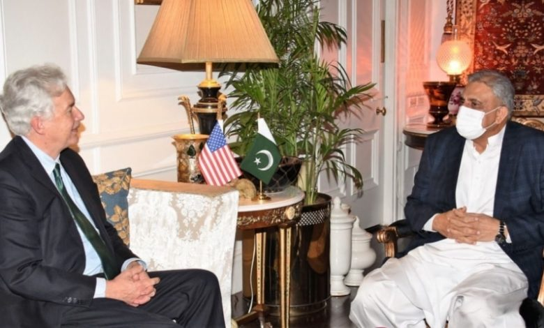 Photo of American CIA Chief discusses Afghan situation with COAS Bajwa and ISI Chief