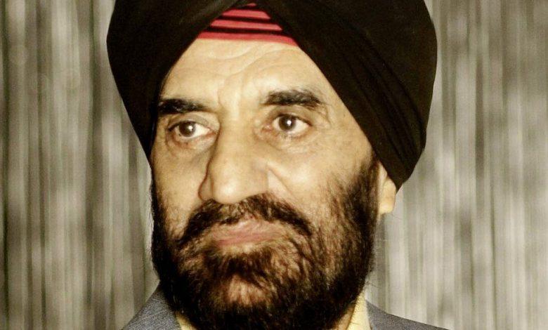 Photo of Dr. Kartar Lalvani – A Sindhi Sikh Entrepreneur of UK
